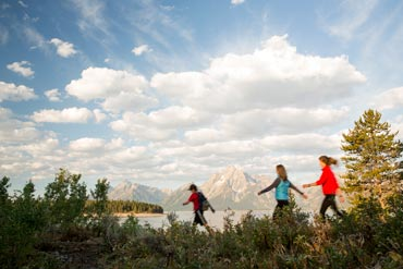 Tips and Tricks for Hiking with Kids